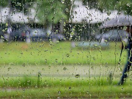 Am Wochenende muss mit Regen gerechnet werden.