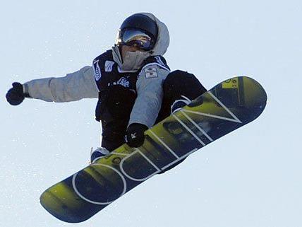 Ein Snowboard-Unfall in Niederösterreich endete tödlich.