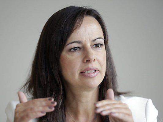 Karmasin will Frauenanteil in Chefetage erhöhen