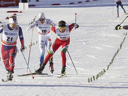 Der Norweger (li.) setzte sich im Sprint durch