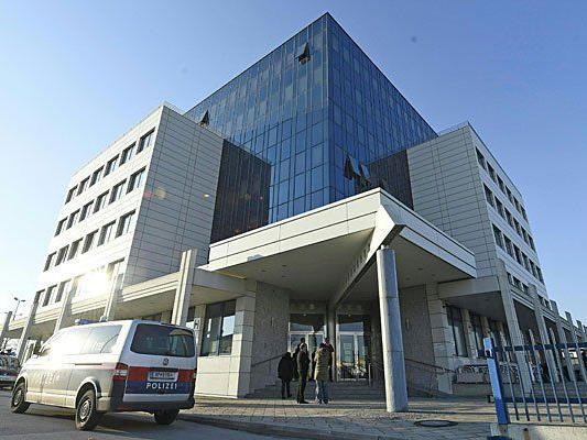 Tödliche Messerstiche in Wien-Liesing - 17-Jähriger weiter flüchtig