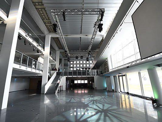 """Innenansicht der EMS Lounge, in der das """"Euro Fan Cafe"""" im Rahmen des 60. Eurovision Song Contest eingerichtet wird"""