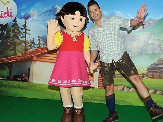 Andreas Gabalier posiert mit der 3D-Heidi