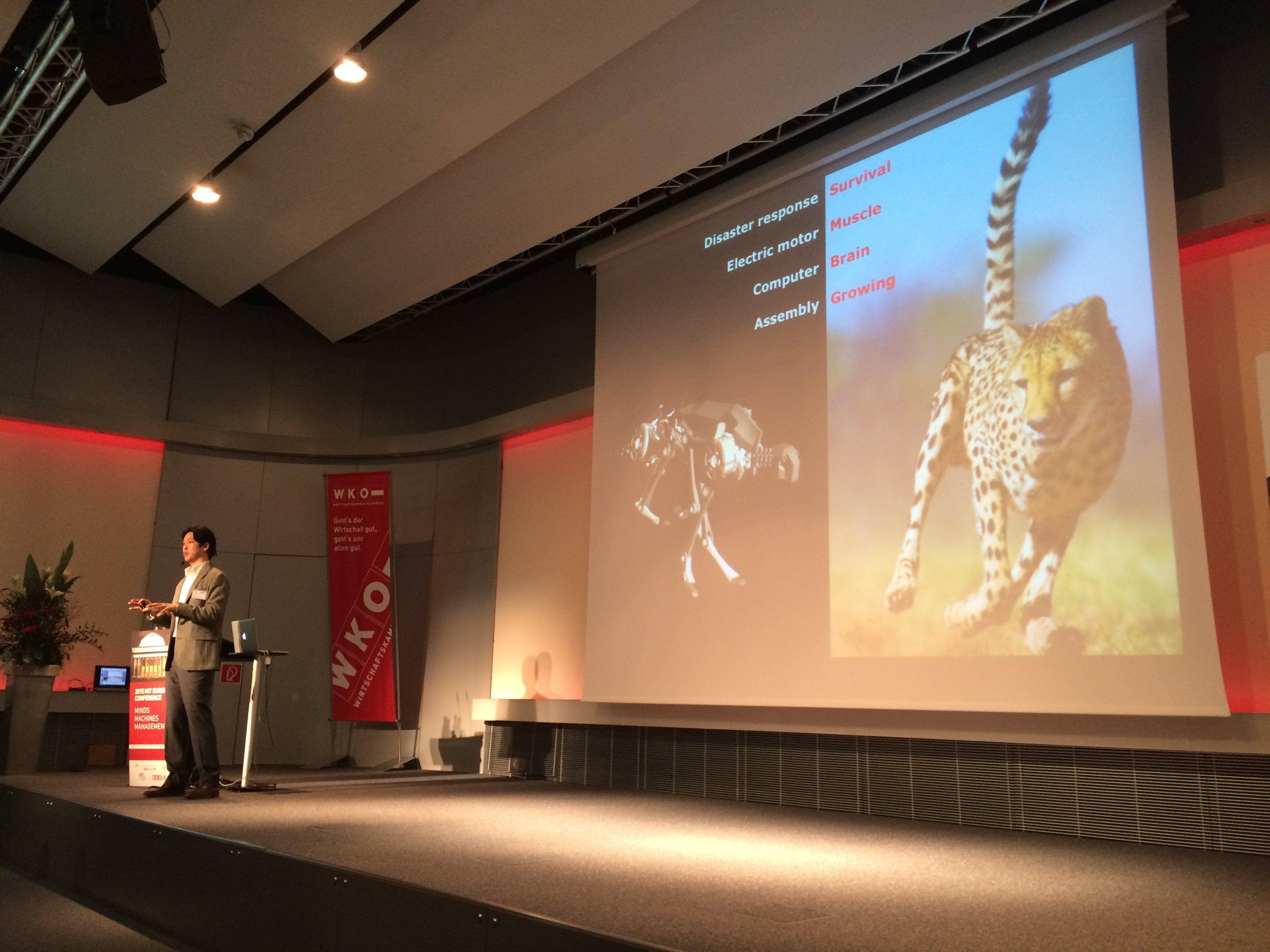 Sangbae Kim (MIT Department of Mechanical Engineering) erklärte, was wir von der Natur lernen können. Sein Roboter wurde einem Geparden nachempfunden.