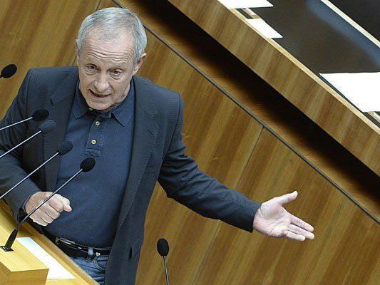 Misshandlungsvorwürfe gegen die Wiener Polizei: Peter Pilz nahm dazu Stellung