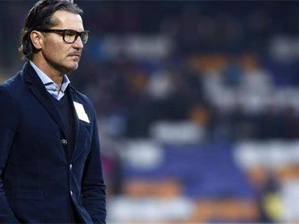 Trainer Baumgartner von der Austria beurlaubt.
