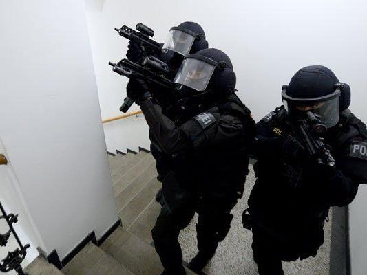 Im 12. Bezirk hat es am Donnerstag einen großen Polizeieinsatz gegeben.