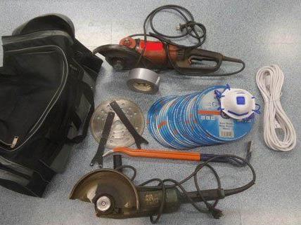 Die von der Polizei sichergestellten Gegenstände.