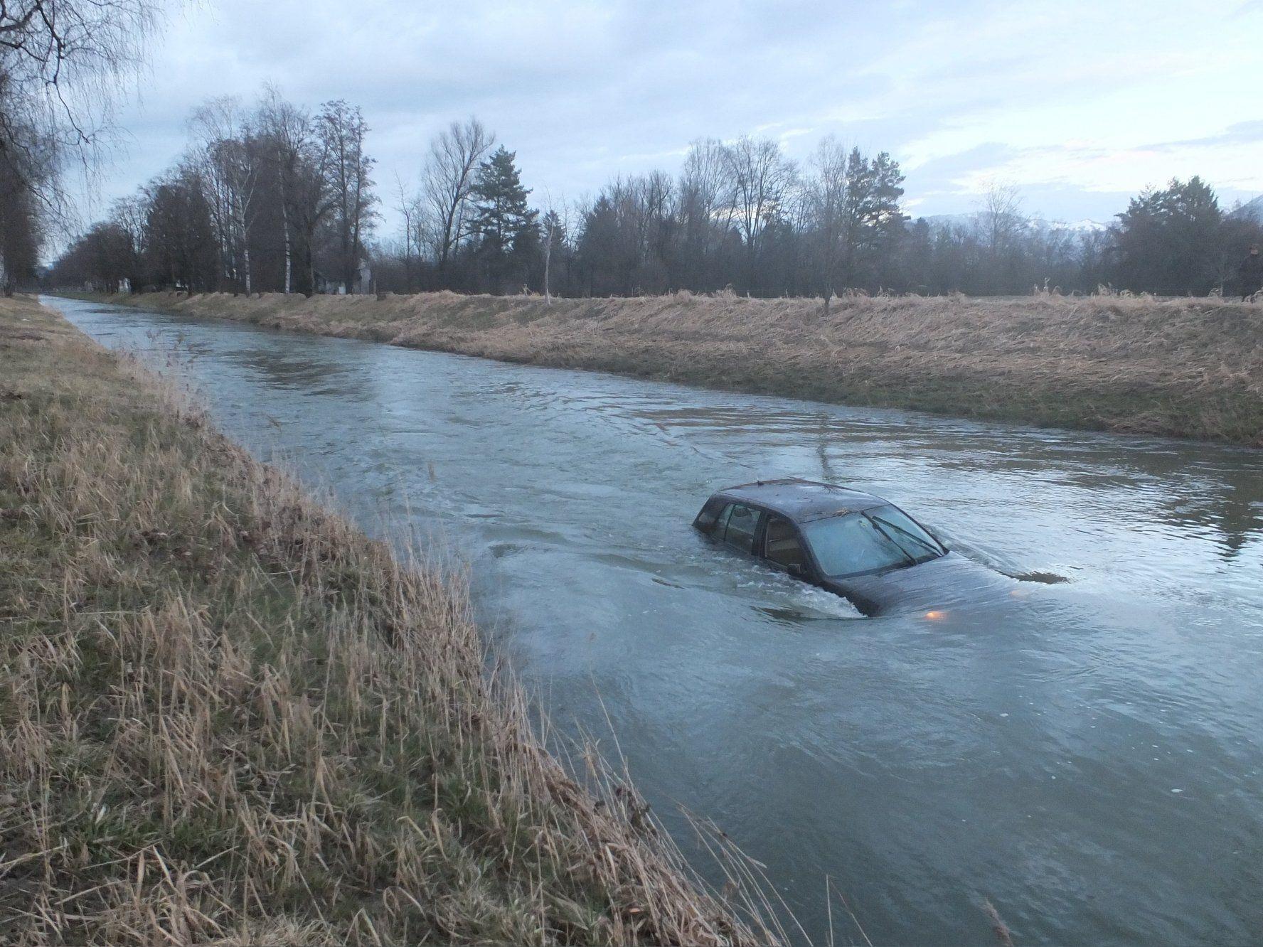 Glück im Unglück für 34-jährigen Autofahrer