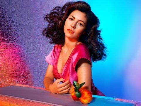 Marina und ihre Diamanten legen nach.
