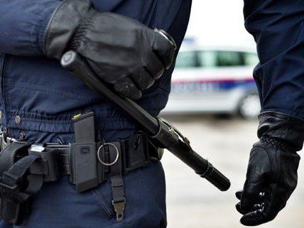 Erneut wird der Wiener Polizei missbrauch vorgeworfen.
