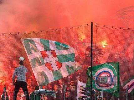 Pyrotechnik-Streit bei Fußball-Spielen
