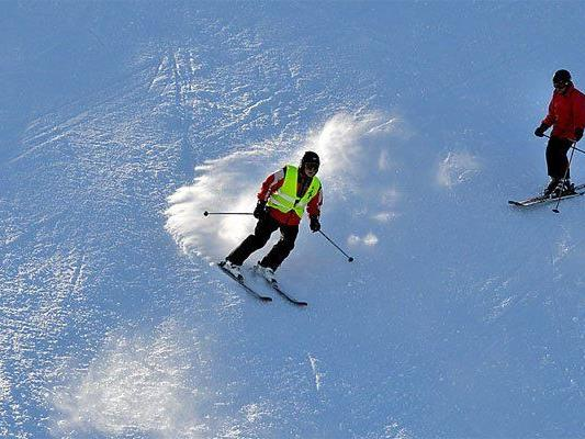 Skiunfall am Nassfeld, Wiener verletzt.