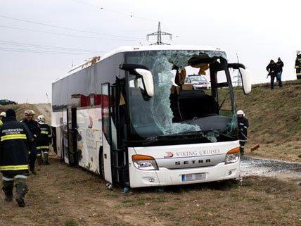 Der Lenker konnte nach dem Unfall noch nicht befragt werden.