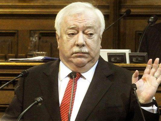 Bürgermeister Michael Häupl während der Sitzung im Wiener Landtag.