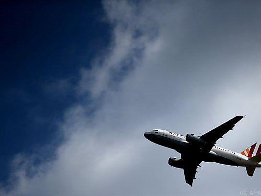 Der Airbus wird von Experten untersucht
