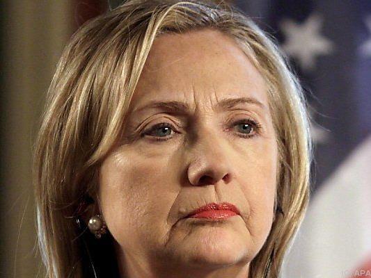 Clinton bewirbt sich um das Präsidentenamt