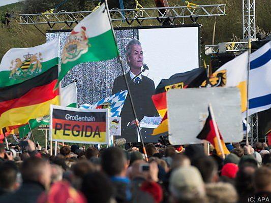 Rechtspolitiker Geert Wilders hielt eine 25-minütige Rede