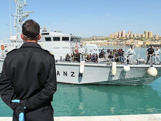 Zustände auf den Flüchtlingsbooten werden immer prekärer