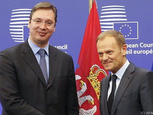 Serbiens Premier (l.) bei Tusk in Brüssel
