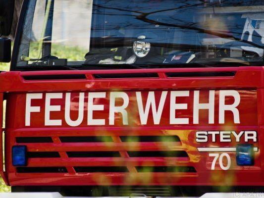 Feuerwehr rückte mit sechs Fahrzeugen an