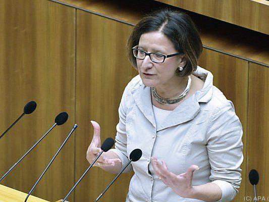 Mikl-Leitner stellte sich der Fragestunde des Nationalrats