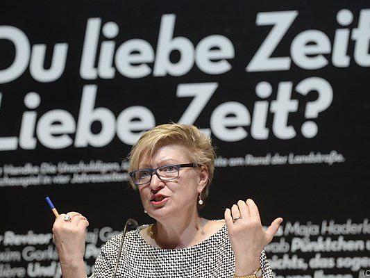 Direktorin Karin Bergmann muss auch aufs Geld schauen