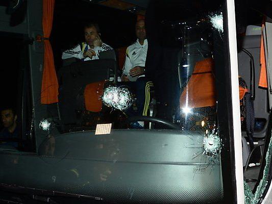 Auf den Bus von Fenerbahce wurde geschossen