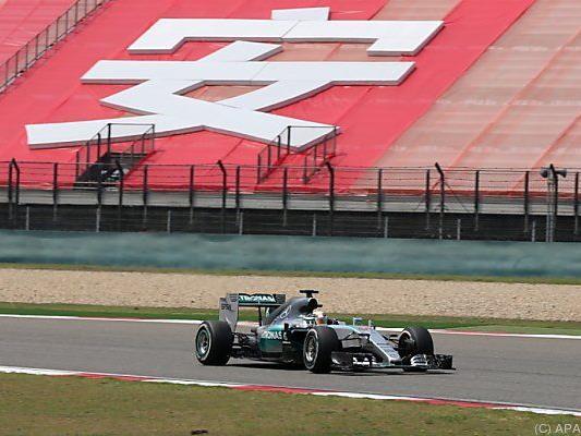 Mercedes wieder vorne