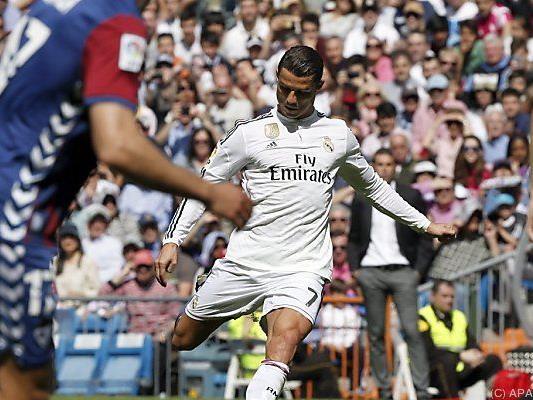 Ronaldos Frisur hält, seine Torlaune ebenso