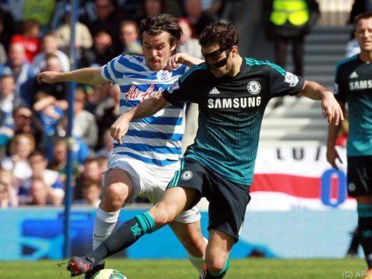 Cesc Fabregas (r.) sorgte für Chelseas späten Siegtreffer