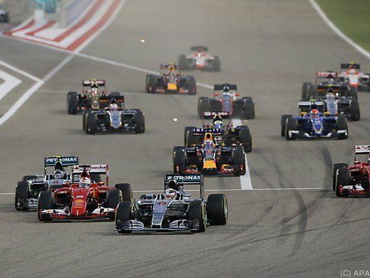Hamilton gewann vor einem Ferrari