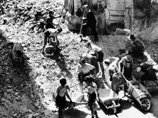 """70 Jahre Kriegsende - """"Warum hören denn die Trotteln nicht auf?"""""""