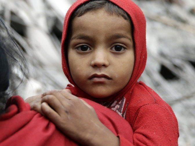Nach dem Erdbeben in Nepal läuft die Rettung von Verschütteten auf Hochtouren.