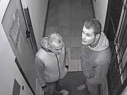 Diese beiden Männer werden nach dem Einbruch im Kindergarten gesucht