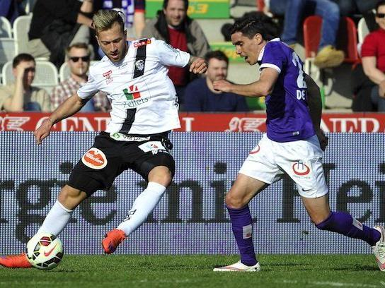 (v.l.), Peter Zulj (WAC), David De Paula (Austria) am Sonntag beim Bundesliga-Spiel