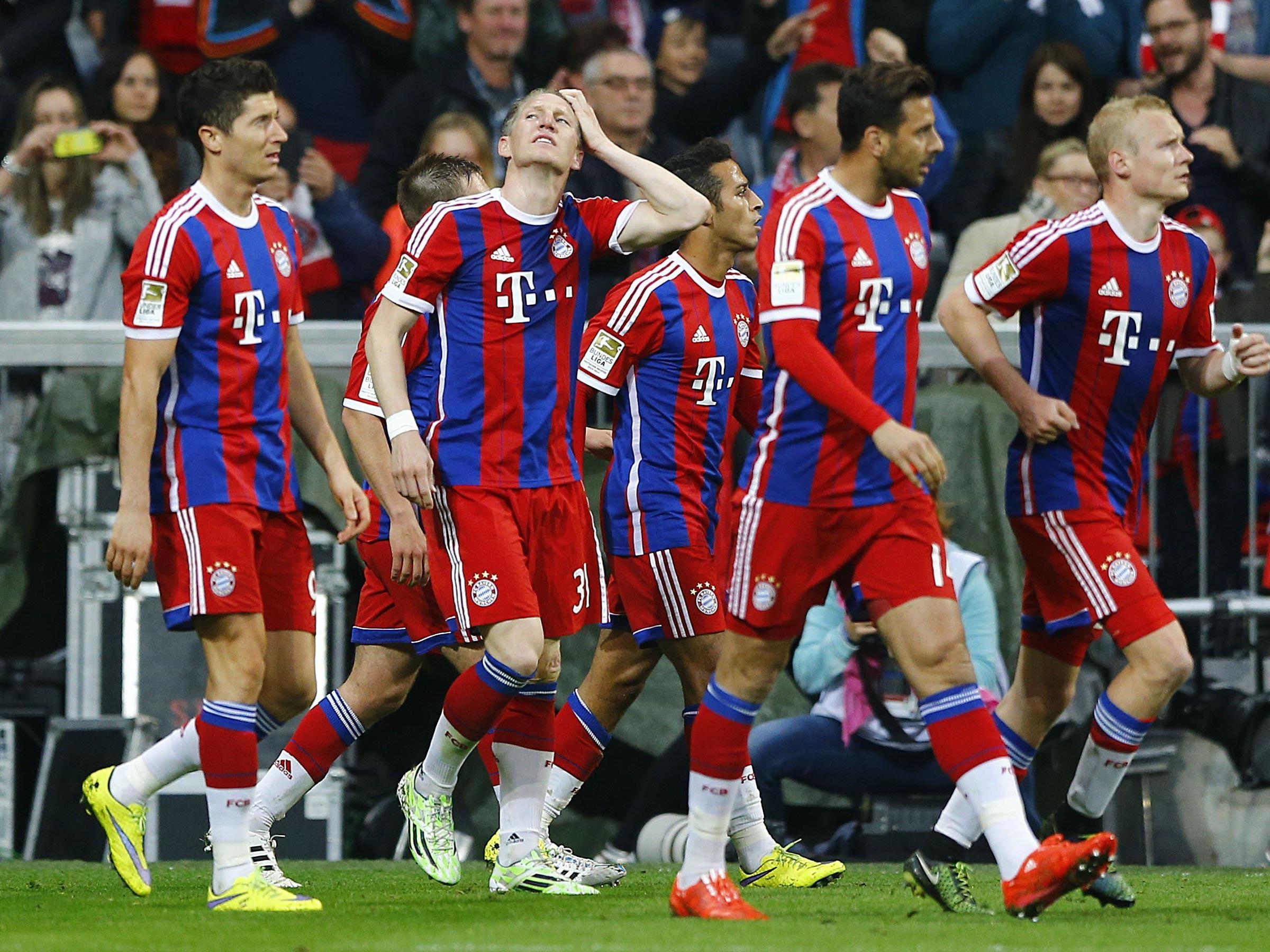 Die Bayern haben den Hattrick: Zum dritten Mal in Folge Deutscher Meister.