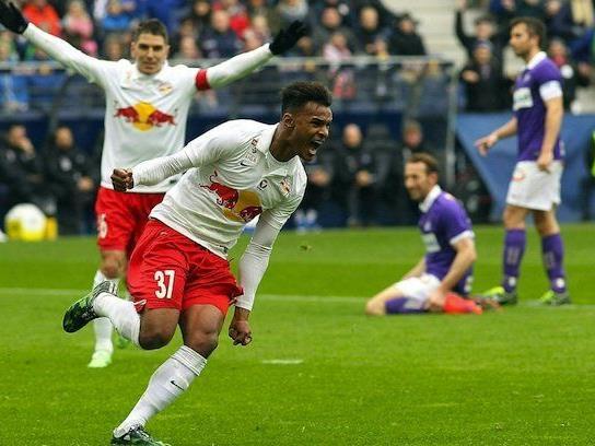 Valentino Lazaro (FC Red Bull Salzburg/re) jubelt nach dem 2:1 gegen Austria Wien