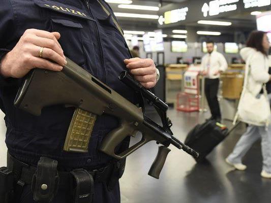 Am Wiener Flughafen wurden mutmaßliche Jihadisten festgenommen.