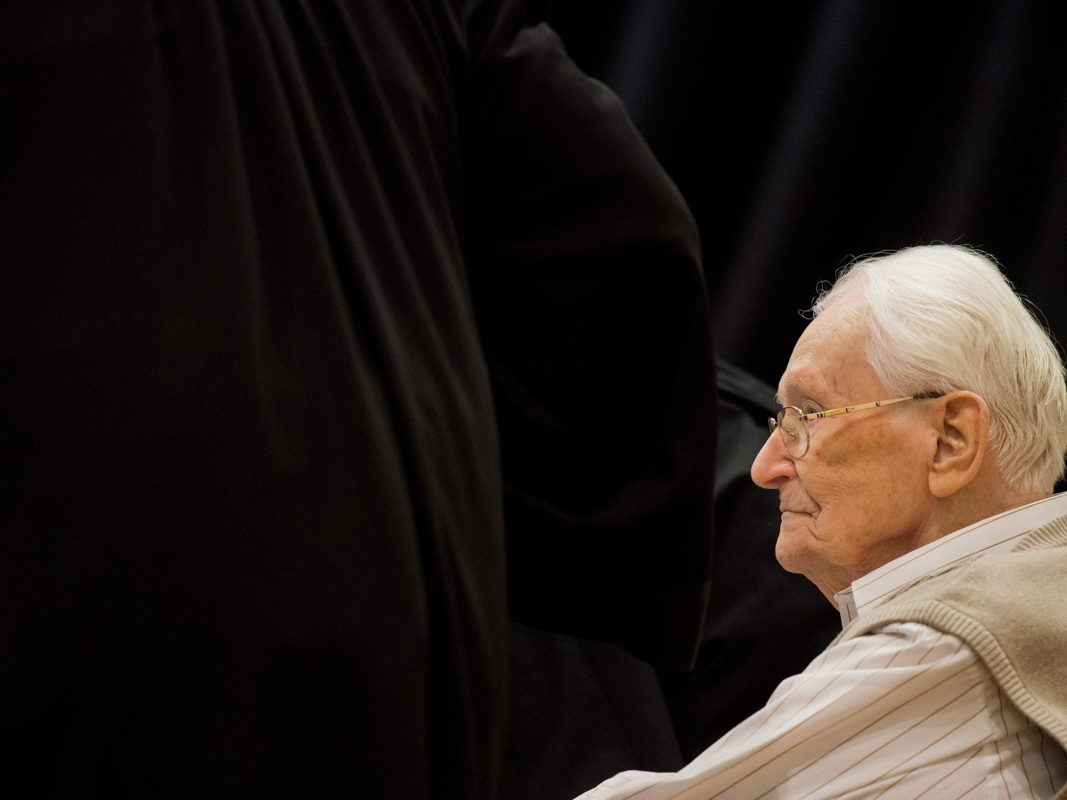 In einem der letzten großen Auschwitz-Prozesse muss sich Oskar Gröning vor Gericht verantworten.