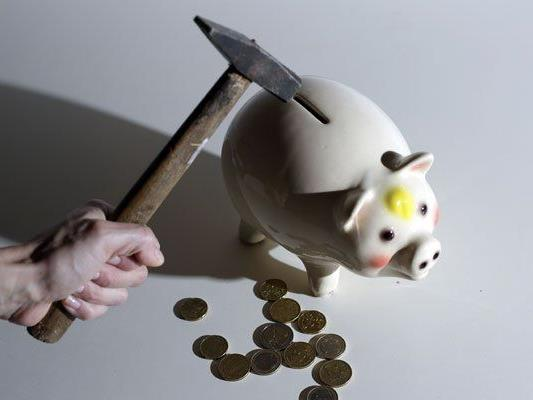Wer sein Konto überzieht, muss dafür hohe Zinsen zahlen.