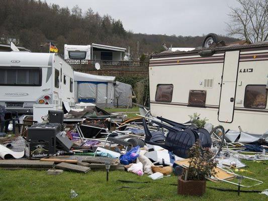 So wie auf diesem Campingplatz in Deutschland sind auch in Österreich viele Schäden entstanden.