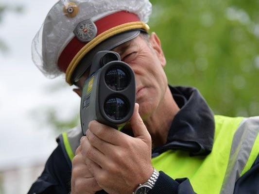 Es wurde dementiert, dass es eine Strafmandats-Quote bei der Polizei gibt.