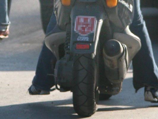Der 15-jährige Moped-Fahrer wurde leicht verletzt.