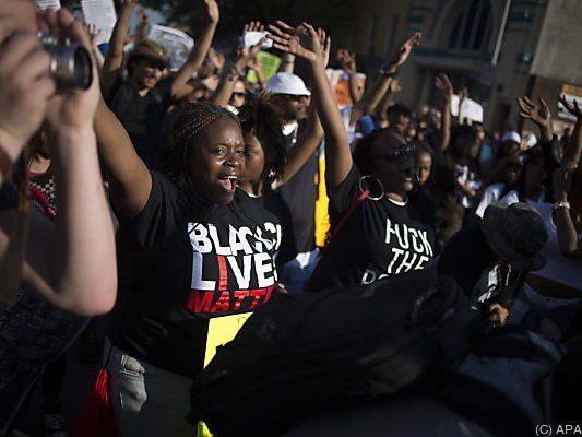 Bis zu 3.000 Menschen nahmen an friedlicher Kundgebung teil