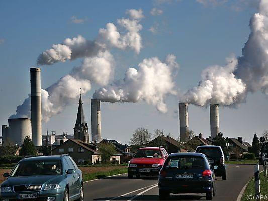 Starker CO2-Anstieg durch Nutzung fossiler Brennstoffe