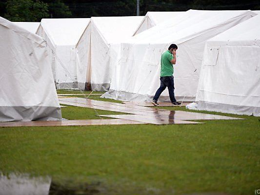 Weitere Zelte sollen kommen