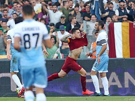Iturbe bejubelt seinen Treffer gegen Lazio