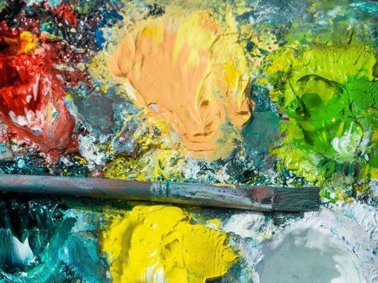 Ihre Passion für ferne Länder und Kulturen verarbeiten die Künstler in Formen und Farben.