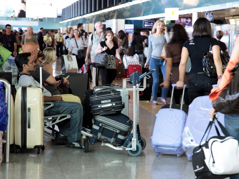 Nach einem Brand auf dem Flughafen in Rom Fiumicino kommt es zu Flugausfällen.